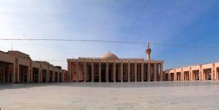 Внешний взгляд к мечети Кувейту Кувейта грандиозной, Кувейту Стоковое Изображение RF