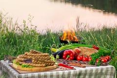 Внешний пикник около озера, реки стоковое фото rf