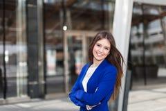 Внешний портрет бизнес-леди стоковые изображения rf