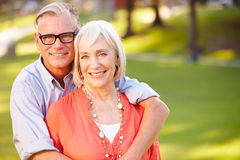 Внешний портрет зрелых романтичных пар Стоковые Изображения RF