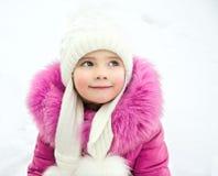 Внешний портрет красивой маленькой девочки стоковая фотография