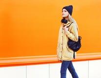 Внешний портрет моды девушки стильного битника холодной Стоковые Изображения RF
