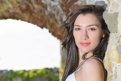 Внешний портрет bueautiful молодой женщины стоковые фотографии rf