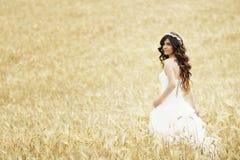 Внешний усмехаться невесты Стоковые Фото
