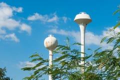 2 внешних водонапорной башни Стоковое Изображение RF