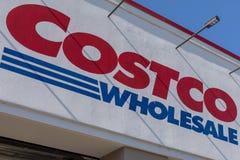 Внешняя витрина магазина оптовой продажи Costco Costco Оптов Корпорация самый большой только для членств клуб склада в США стоковые фото