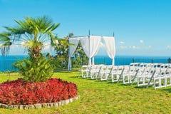 Внешняя подготовка приема по случаю бракосочетания с видом на море Стоковая Фотография RF