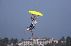 вниз внешняя сторона kitesurfer Стоковое Изображение