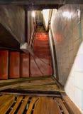 вниз лестницы Стоковая Фотография