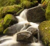 вниз замедляемая вода Стоковые Фотографии RF