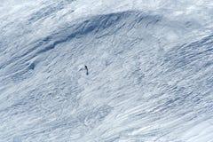 вниз катаясь на лыжах наклон Стоковая Фотография RF