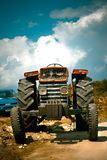 вниз старый несенный трактор Стоковое Изображение RF
