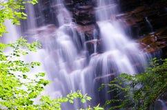 вниз трясет проточную воду Стоковое Изображение RF