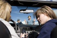 внимание аварии не оплачивая texting Стоковое фото RF