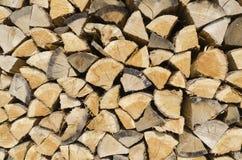 вносит древесину в журнал Стоковая Фотография