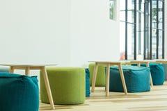 Внутреннее современное украшение мебели стоковая фотография