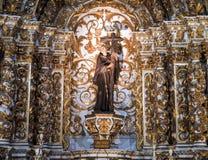 Внутреннее Igreja e Convento de São Франсиско в Бахи, Сальвадоре - Бразилии стоковые изображения rf