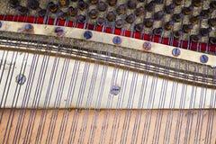 Внутренние компоненты старого рояля Стоковое Изображение RF