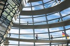 Внутренний взгляд купола Reichstag, Берлин, Германия Стоковое Изображение RF