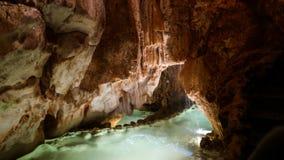 Внутренний взгляд к пещере Grutas Миры de Aire, Португалии Стоковое фото RF