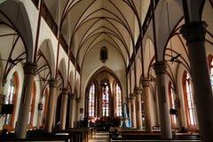 Внутренний взгляд к священному сердцу собора Иисуса в Lome, Того стоковые изображения rf