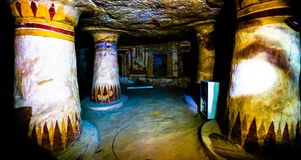 Внутренний взгляд старой усыпальницы Bannentiu, Bahariya, Египта стоковая фотография rf