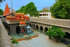 Внутренний взгляд Vitthal Mandir с лордом Ganesha, вадями Vithalwadi, Prati Pandharpur стоковое фото