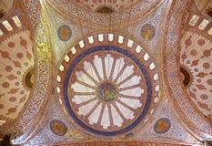 Внутренний взгляд голубой мечети, Sultanahmet Стоковое Фото