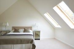 Внутренний взгляд красивой роскошной спальни Стоковая Фотография