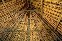 Внутренний взгляд фиджийской крыши bure Стоковая Фотография RF