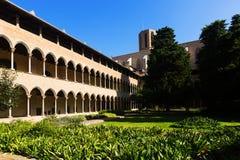 Внутренний двор монастыря Pedralbes Стоковая Фотография