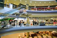 Внутренний торговый комплекс мебели грандиозный Торговый центр мебели ГРАНДИОЗНЫЙ - самая большая специальность s Стоковое Изображение