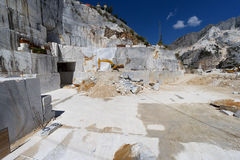 Внутренность карьера мрамора Каррары, Тосканы, Италии стоковые изображения rf