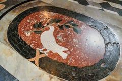 Внутренность пола мозаики di San Giovanni базилики в Laterano в Риме Италия стоковые изображения