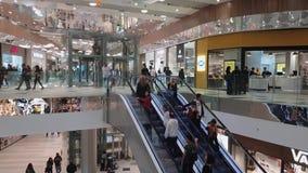 Внутренность толпы Никосии, Кипра заново раскрыла торговый центр Никосии видеоматериал