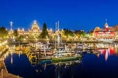 Внутренняя гавань Виктории на ноче Стоковая Фотография RF