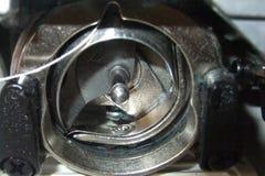 Внутренняя деятельность швейной машины Стоковое фото RF
