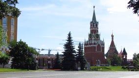 Внутренняя зона башни Кремля Spasskaya с часами Стоковые Фотографии RF