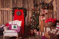 Внутренняя комната украшенная в стиле рождества Нет Стоковая Фотография