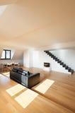 Внутренняя, новая просторная квартира Стоковые Изображения
