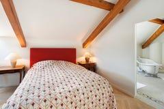 Внутренняя, удобная спальня Стоковое Изображение RF