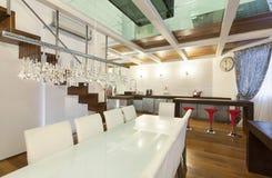 Внутренняя, широкая просторная квартира, столовая Стоковое Фото