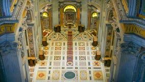 Внутри базилики St Peters в Риме - виде с воздуха от купола Стоковые Фото
