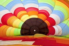Внутри горячего воздушного шара в начале надувать Стоковое Фото