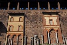 Внутри замка Castello Sforzesco Sforza стоковое изображение