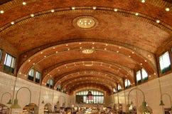 Внутри исторического рынка западной стороны в Кливленде Стоковая Фотография RF