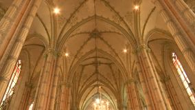 Внутри католической церкви видеоматериал