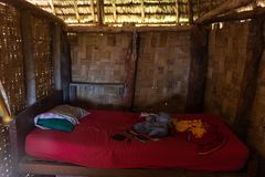 Внутри корпус мира вызывается добровольцем дом в Фиджи стоковое изображение rf