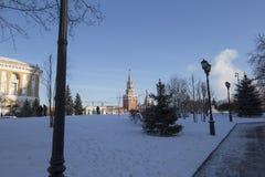 Внутри Москвы Кремля на солнечный зимний день, Россия Стоковое фото RF