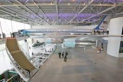 Внутри павильона Air Force One на президентской библиотеке и музее Рональда Рейгана, Simi Valley, CA Стоковые Фотографии RF